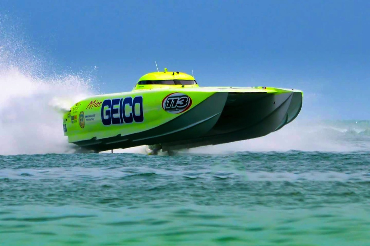 Miss Geico Offshore Racing