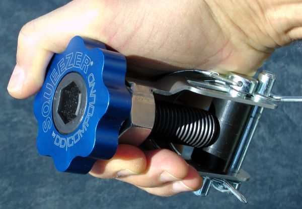 Line Clamp SQUEEZER with heavy duty design